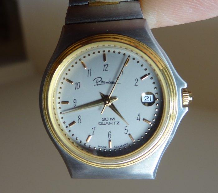 Jaeger -  [Le TOPIC des demandes d'IDENTIFICATION et RENSEIGNEMENTS de montres est ICI] - Page 39 Dsc01304